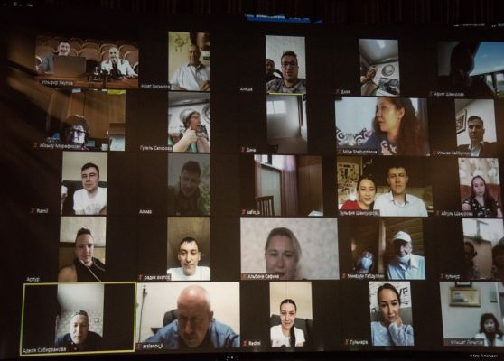 VIRTUAL GATHERING OF THE TROUPE AND THEATRE ADMINISTRATION (PHOTO)